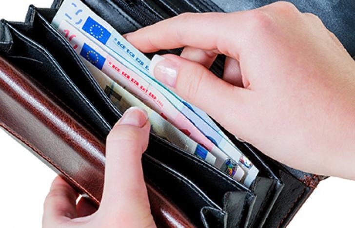 Das Handy als Bankinstitut und Geldbörse