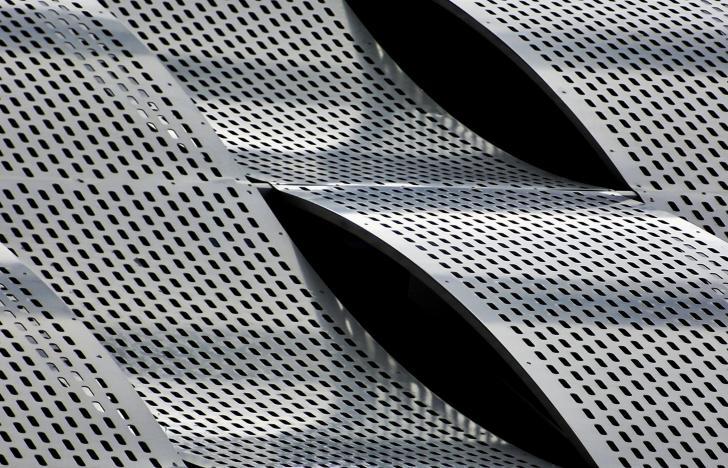 Metall und die Stimmigkeit physikalischer Theorien